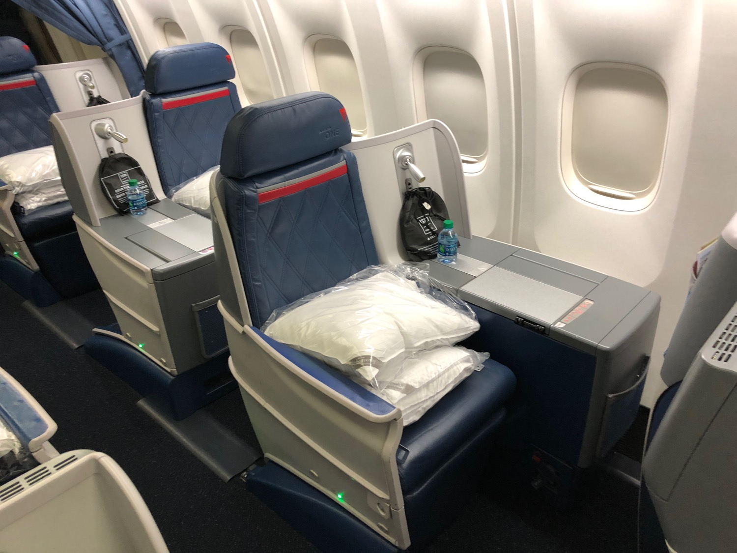 Review: Delta First Class (757 200), Seattle to New York