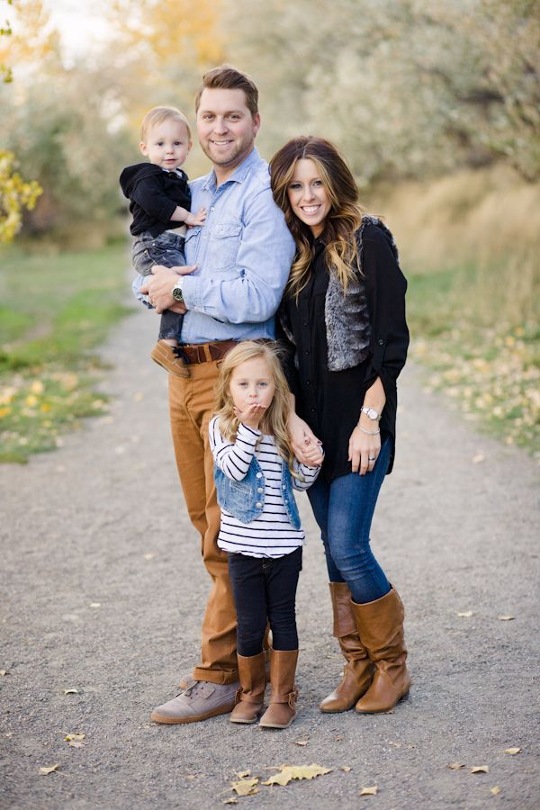 Fall Colorado Family Photo Session | Family pictures, Family pics