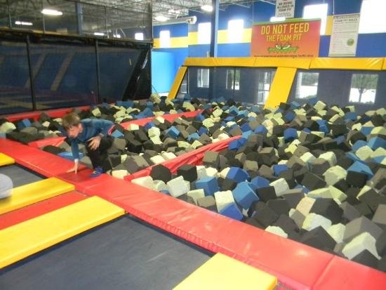 Foam Pit Sky HIgh Sports Naperville Picture of Sky High Sports